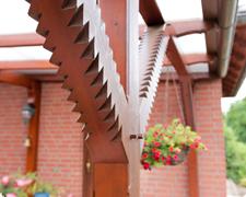 Wir produzieren aus Vollholz_ Terrassen, Terrassenüberdachungen, Fenster und Türen