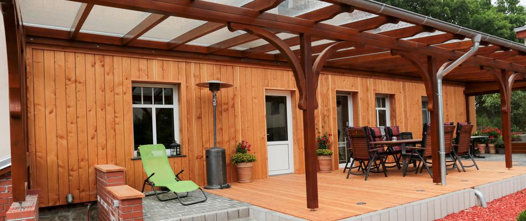 Terrassen und Terrassenüberdachungen aus Holz