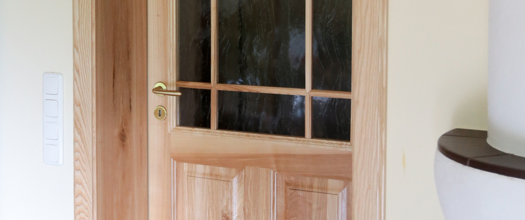 Tischlerei für Echtholztüren, Echtholzfenster und Terrassen