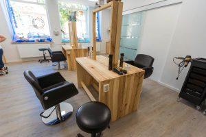 Spiegeltisch aus Holz